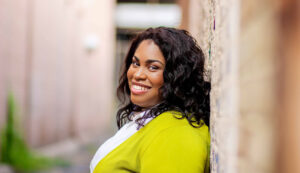 Headshot of author, Angie Thomas.